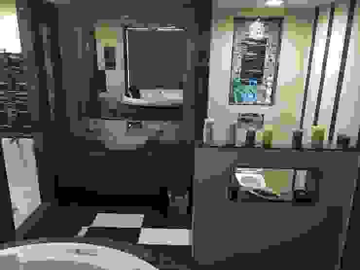 Basin counters: modern  by SA Architects,Modern Ceramic
