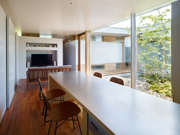 関屋の家 モダンデザインの リビング の 藤原・室 建築設計事務所 モダン