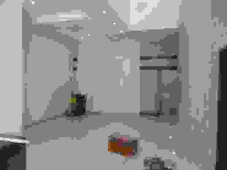 Diseño y costrucción fachada lobby Edificio House Center. de Diseño y Construccion