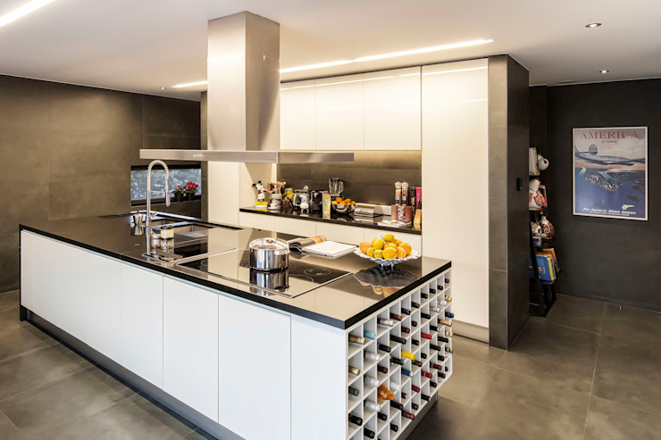 Residential House in Porto Modern Kitchen by INAIN Interior Design Modern