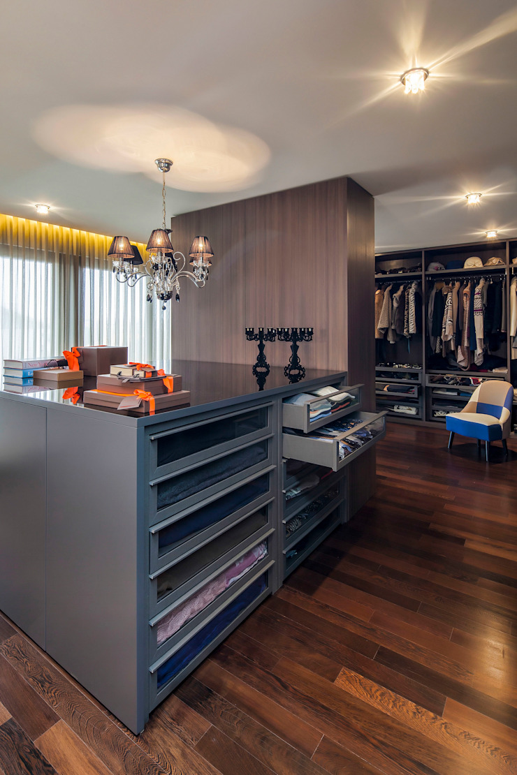Dressing Room Modern Dressing Room by INAIN Interior Design Modern