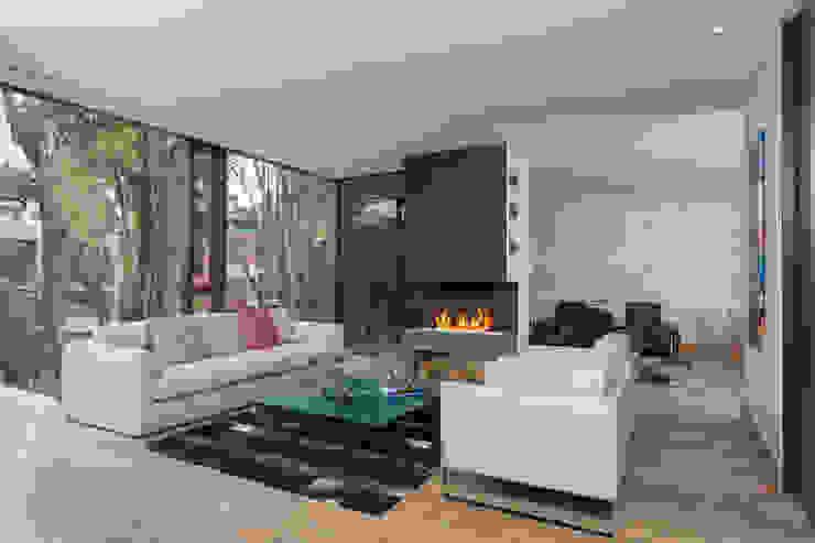 Modern living room by ATELIER CASA S.A.S Modern