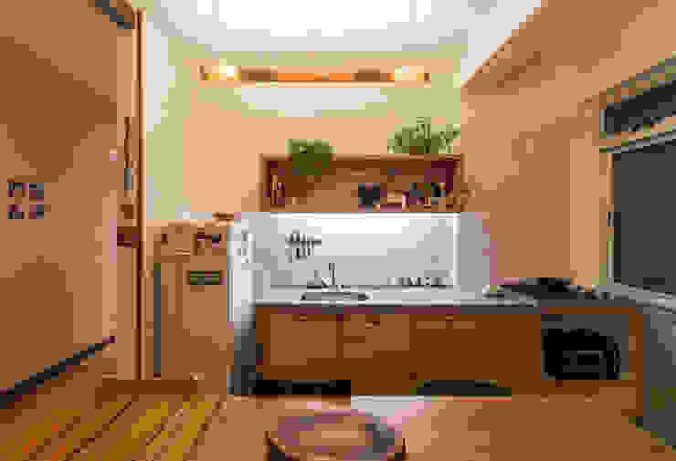 Aptar Arquitetura 廚房 複合木地板