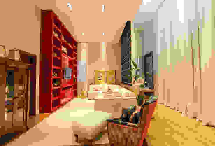 Living room by Pavesi Arquitetura