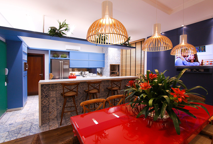 Modern Kitchen by Pavesi Arquitetura Modern