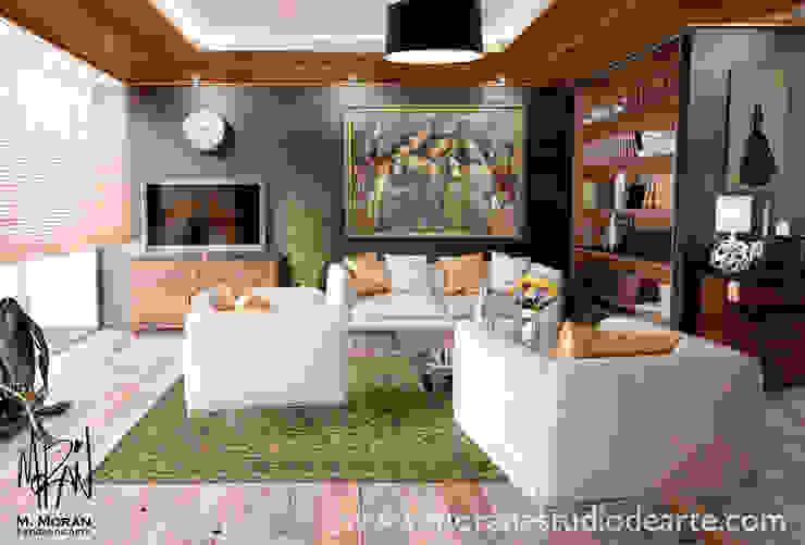 La alegría de la familia hará de tu sala un lugar memorable. de MORAN Estudio De Arte Ecléctico Algodón Rojo