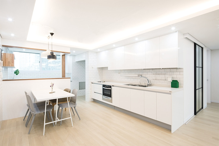 Modern Kitchen by 지오아키텍처 Modern