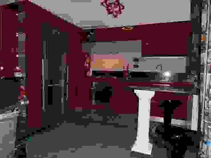 Unione ambiente con soggiorno, cucina e sala da pranzo\