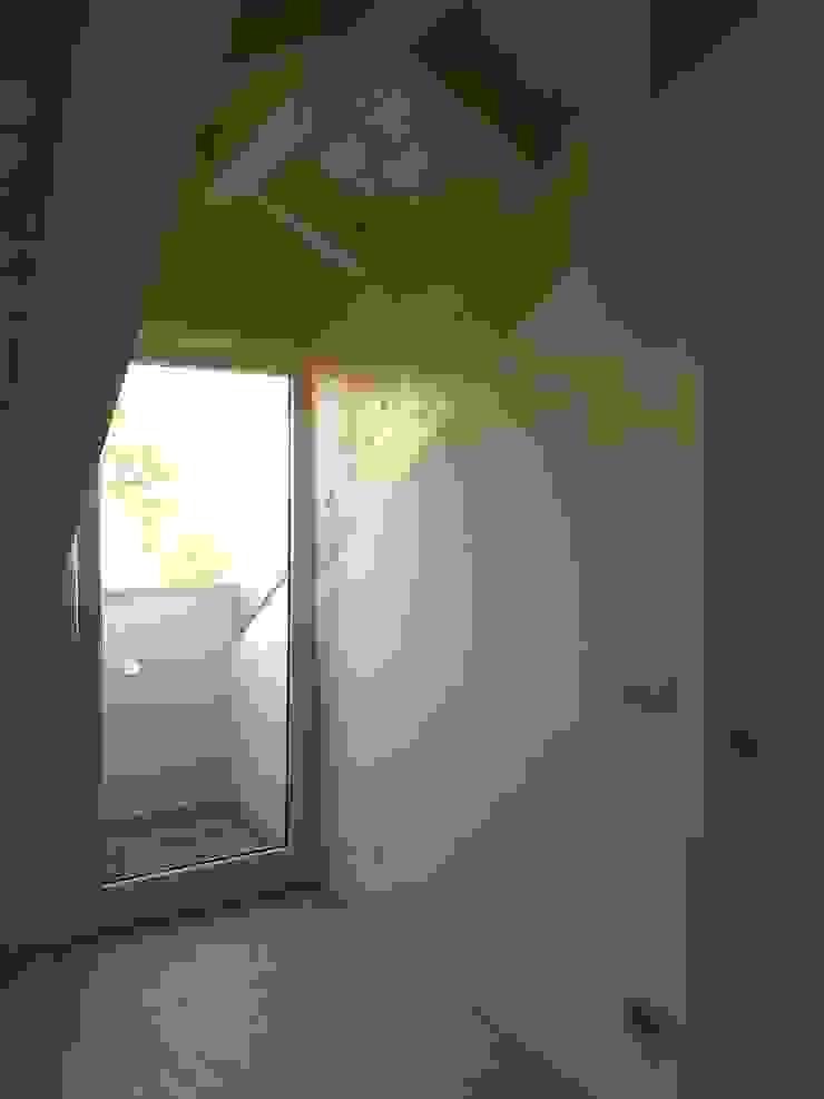 ArchitetturaTerapia® Dormitorios de estilo moderno Madera Blanco