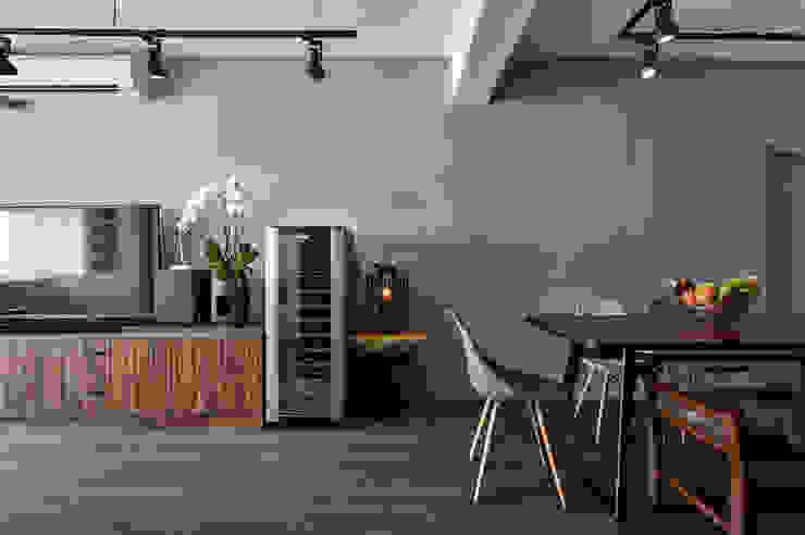 現代風設計個案 根據 精洲室內裝潢工程有限公司 隨意取材風
