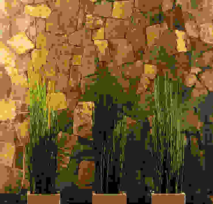 Espejo de agua Balcones y terrazas mediterráneos de Carvallo & Asociados Arquitectos Mediterráneo Piedra