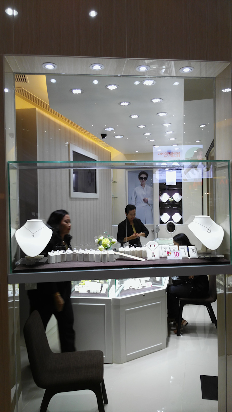Showroom Goldmart Mall Metropolitan Bekasi Ruang Komersial Modern Oleh AGRA Architecture Modern Keramik