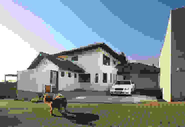 Casa A Casas de estilo colonial de Carvallo & Asociados Arquitectos Colonial