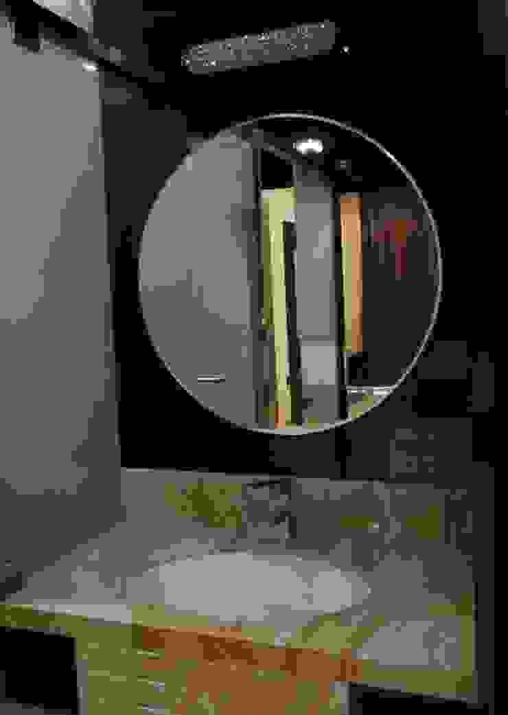 Singh Bunglow—Kalyan Modern bathroom by Aesthetica Modern