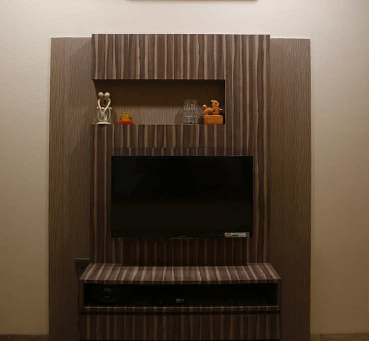 Singh Bunglow - Kalyan Modern media room by Aesthetica Modern