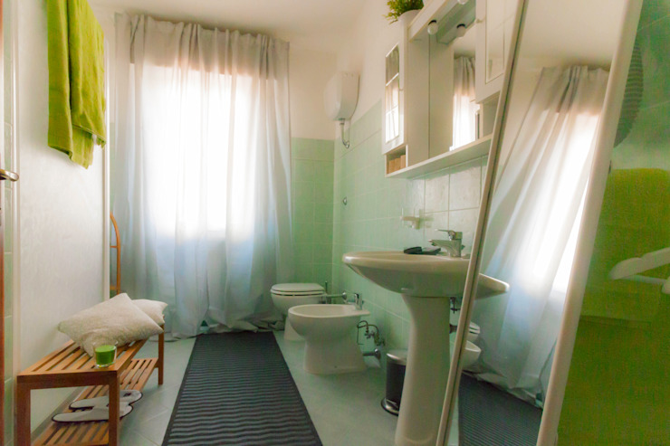 Profumo di Lime e Bambù - Relooking di un affittacamere a San Vincenzo (LI):  in stile  di Creattiva Home ReDesigner  - Consulente d'immagine immobiliare, Mediterraneo