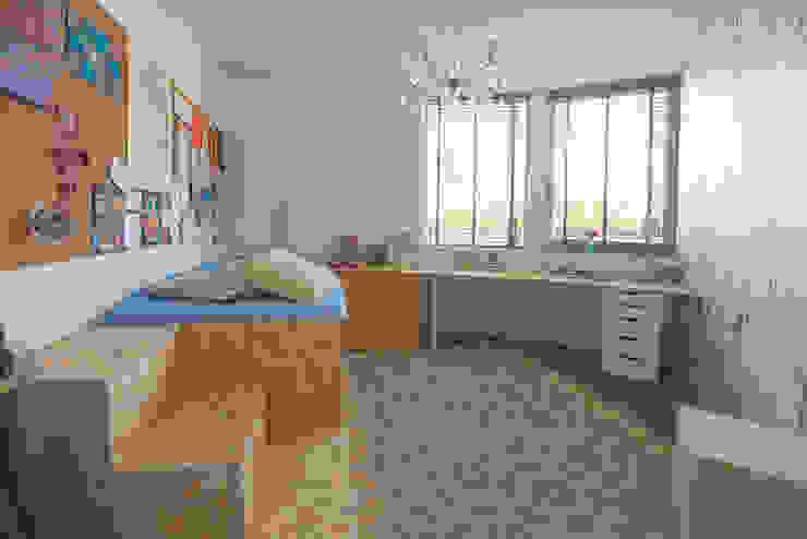 Vrijstaande woning te Aerdenhout : modern  door VAN LAARHOVEN COMBINATIE, Modern