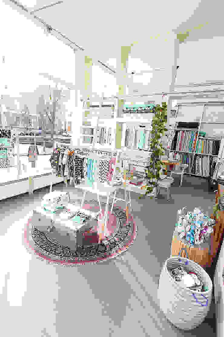 Winkel en atelier in 1 Den Haag Scandinavische winkelruimten van Nya Interieurontwerp Scandinavisch