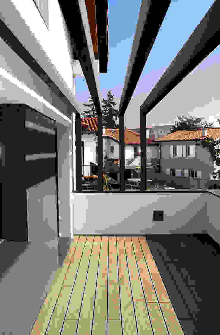 Balcon, Veranda & Terrasse classiques par Rafael Hernáez Loza AITEC Proyectos Classique