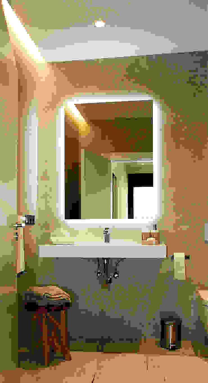 Salle de bain classique par Rafael Hernáez Loza AITEC Proyectos Classique