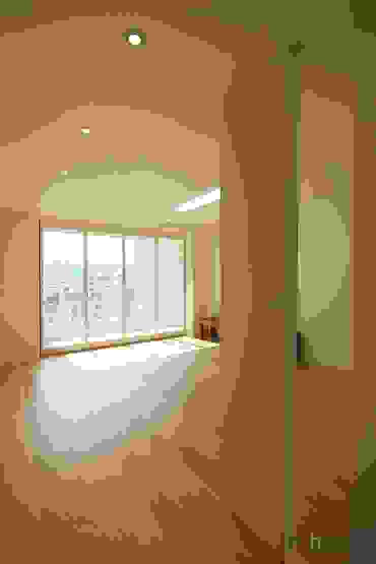 monohus project 단순한 집 미니멀리스트 미디어 룸 by minimalhouse 미니멀