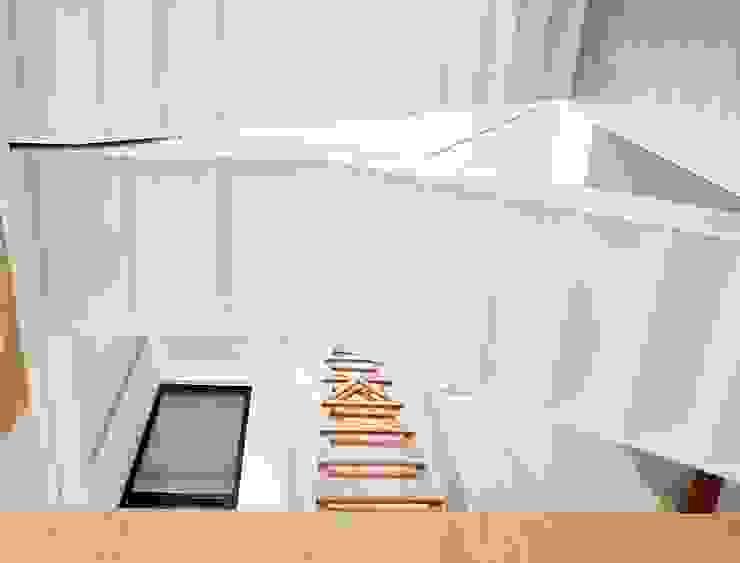 SOHO之家 現代風玄關、走廊與階梯 根據 行一建築 _ Yuan Architects 現代風