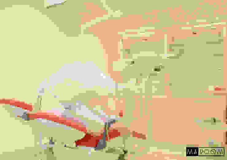 การออกแบบและตกแต่งภายใน คลีนิคทำฟัน: คลาสสิก  โดย Studio Ma_room decrorate and design, คลาสสิค แผ่น MDF
