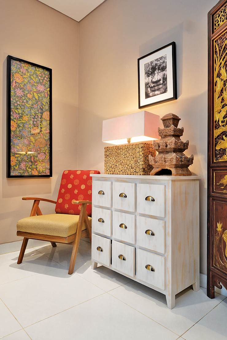 RANAH Eclectic style living room Beige