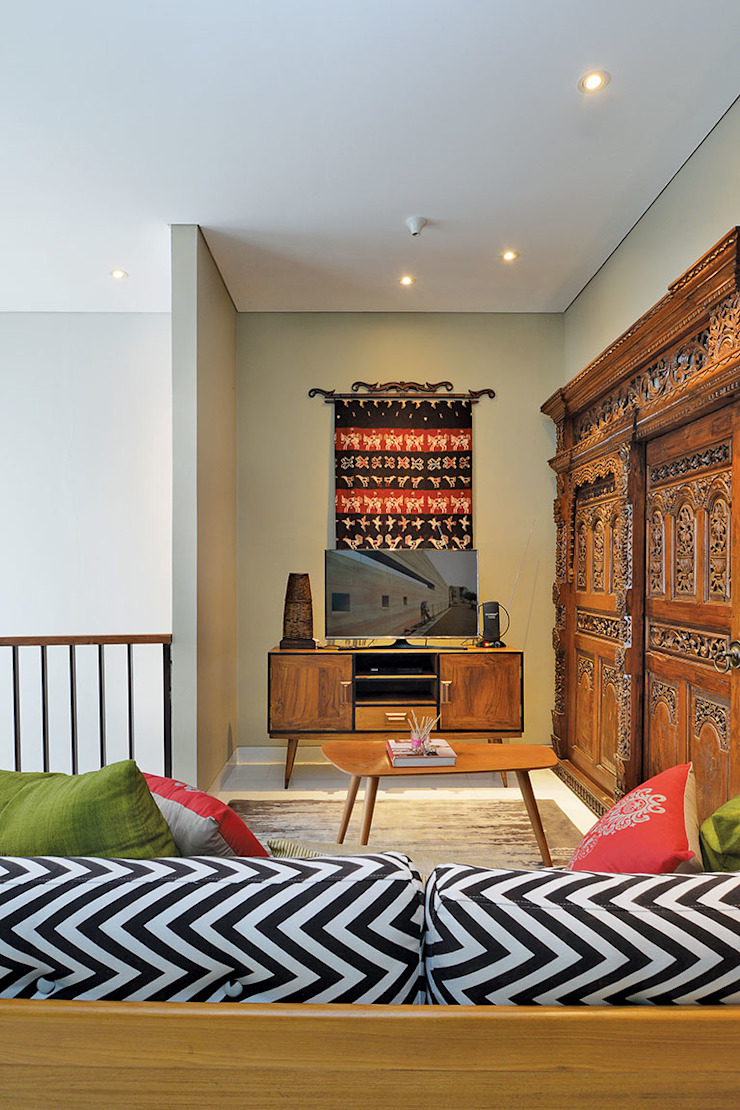 Interior Residential – Lanata 2 Residence Ruang Keluarga Gaya Eklektik Oleh RANAH Eklektik