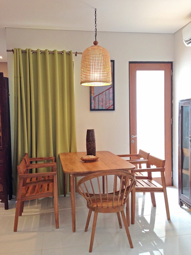 RANAH Eclectic style dining room Wood effect