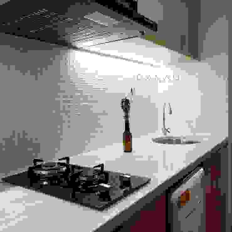 Studio Apartment – Woodland Park Kalibata Dapur Minimalis Oleh RANAH Minimalis