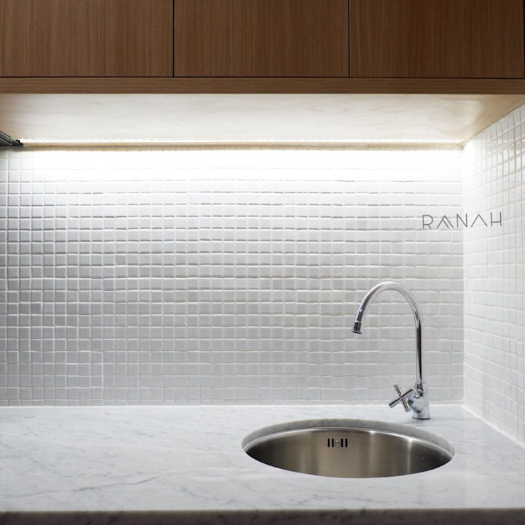 Cocinas de estilo minimalista de RANAH Minimalista