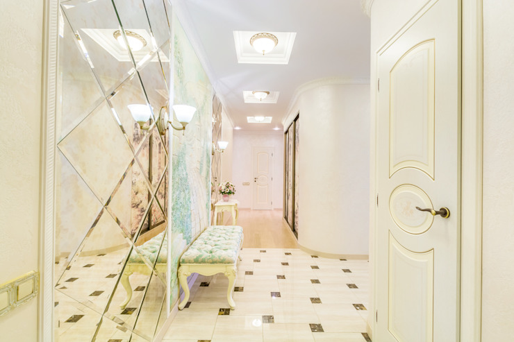 Classic style corridor, hallway and stairs by Дизайнер Светлана Юркова Classic