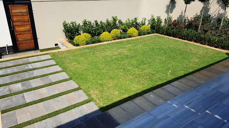 New driveways and garden for Wendal and Busi:  Garden by Gorgeous Gardens, Modern