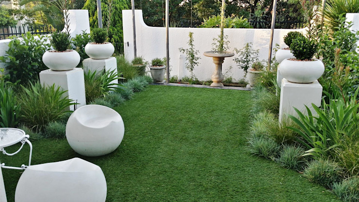 New garden for Kobus and Helet Storm:  Garden by Gorgeous Gardens, Modern