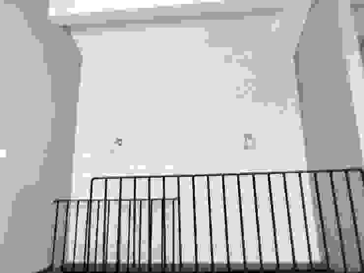 Paredes y pisos de estilo escandinavo de MİMPERA Escandinavo Ladrillos