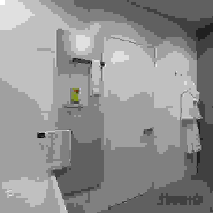 Modern bathroom by MIKOŁAJSKAstudio Modern