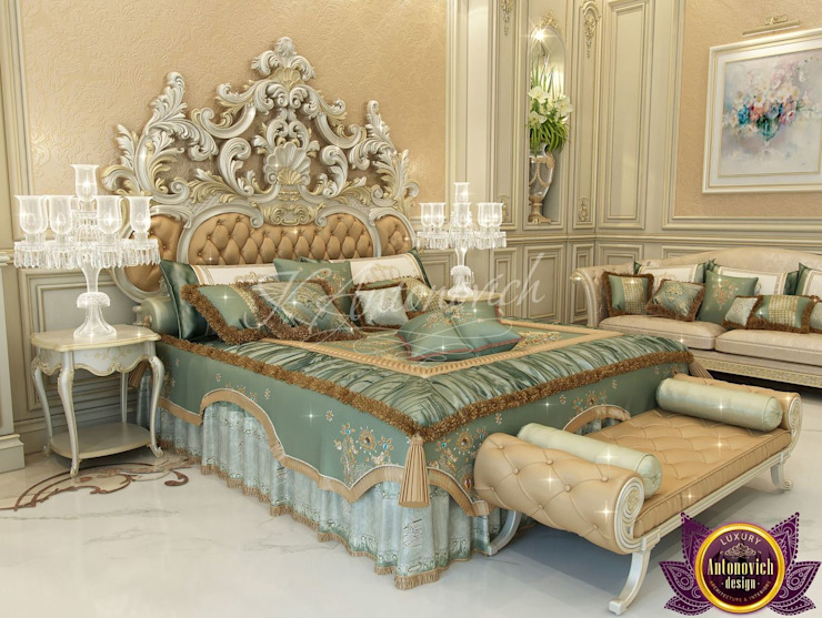 Beautiful interiors of Katrina Antonovich Classic style bedroom by Luxury Antonovich Design Classic