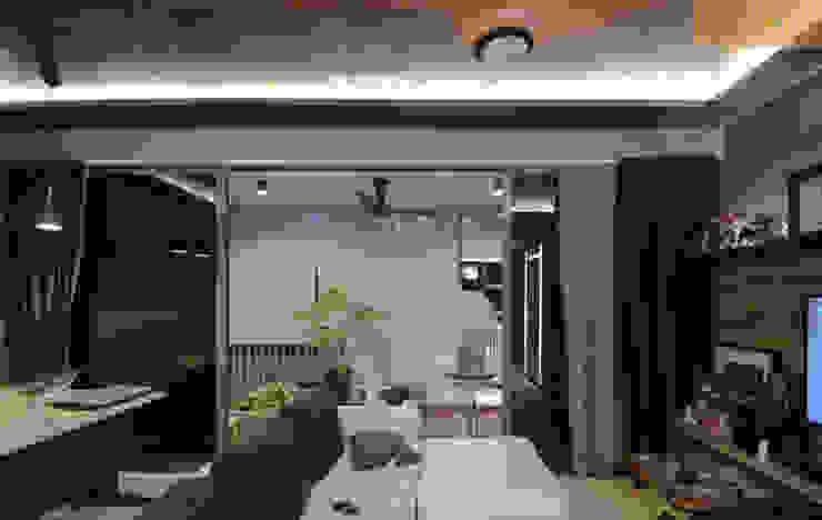 Balcony Minimalist style garden by Designer House Minimalist Plywood