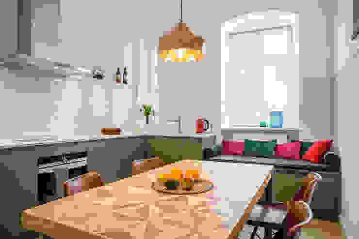 CONSCIOUS DESIGN - INTERIORS Kitchen Tiles Grey