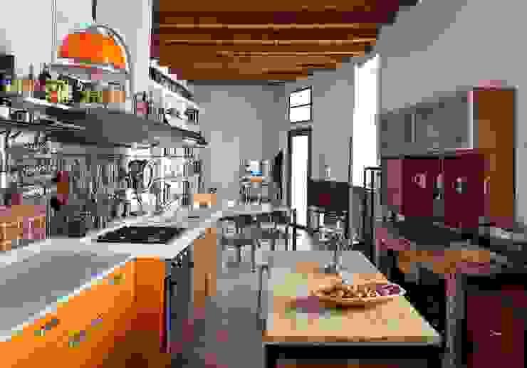 Orsini Architects Cocinas de estilo mediterráneo