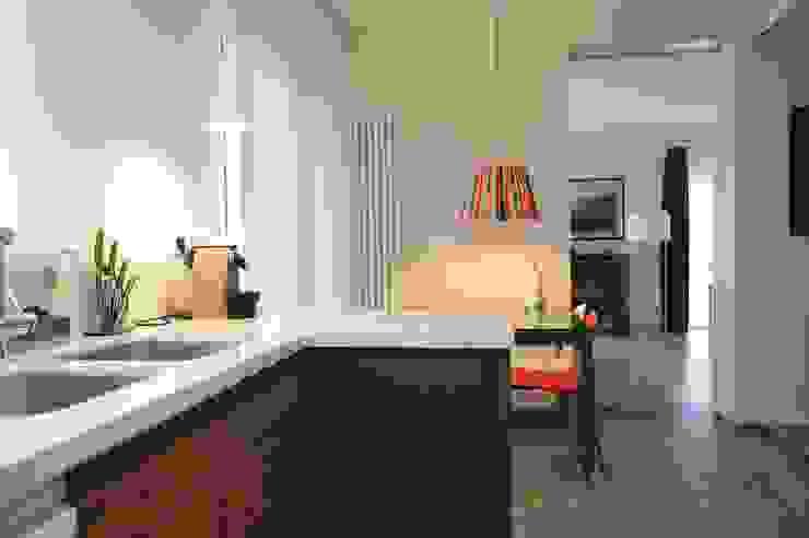 Interior remodelling Fernandez Architecture Modern Kitchen Concrete White