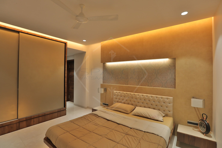 SKY DECK SPACCE INTERIORS Asian style bedroom