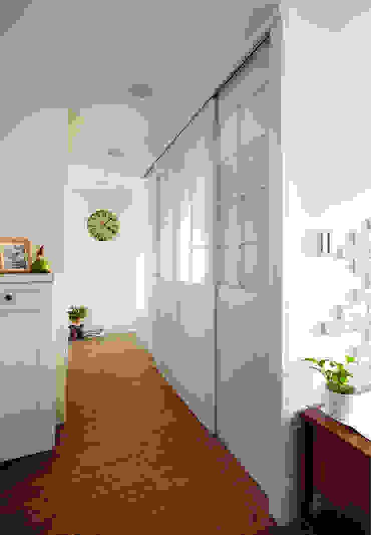 Koridor & Tangga Gaya Country Oleh 弘悅國際室內裝修有限公司 Country Kayu Wood effect