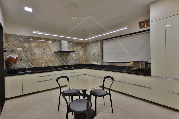 CAPITAL GREEN—1 Asian style kitchen by SPACCE INTERIORS Asian