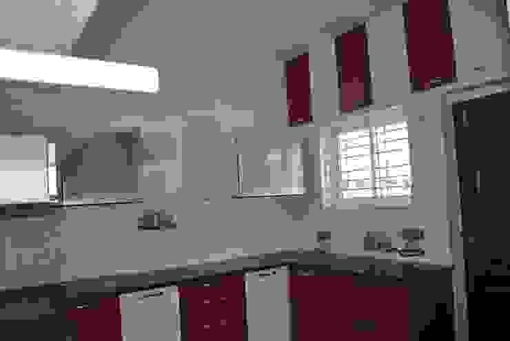 MODULAR KITCHEN IN FARIDABAD Asian style kitchen by MAJESTIC INTERIORS Asian