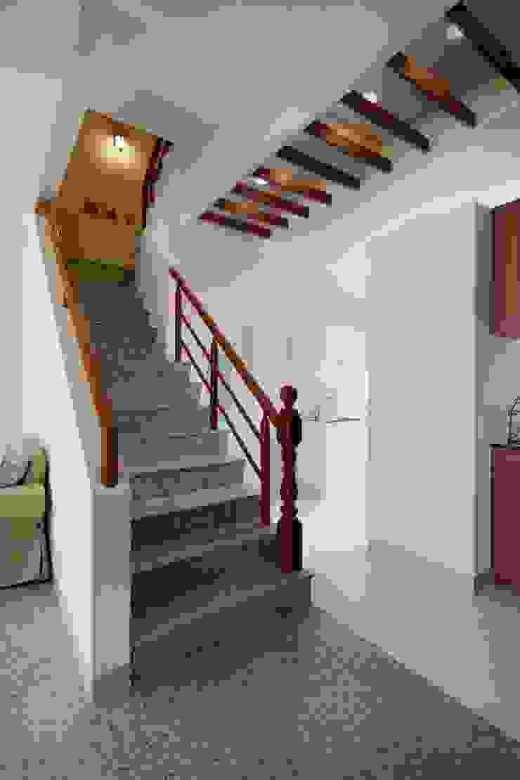 Sunshine 經典風格的走廊,走廊和樓梯 根據 弘悅國際室內裝修有限公司 古典風