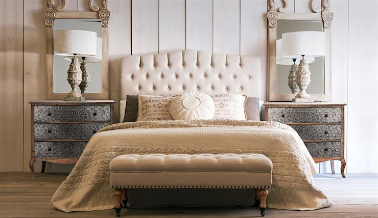 Classic style bedroom by DECORSIA HOME,S.L. Classic