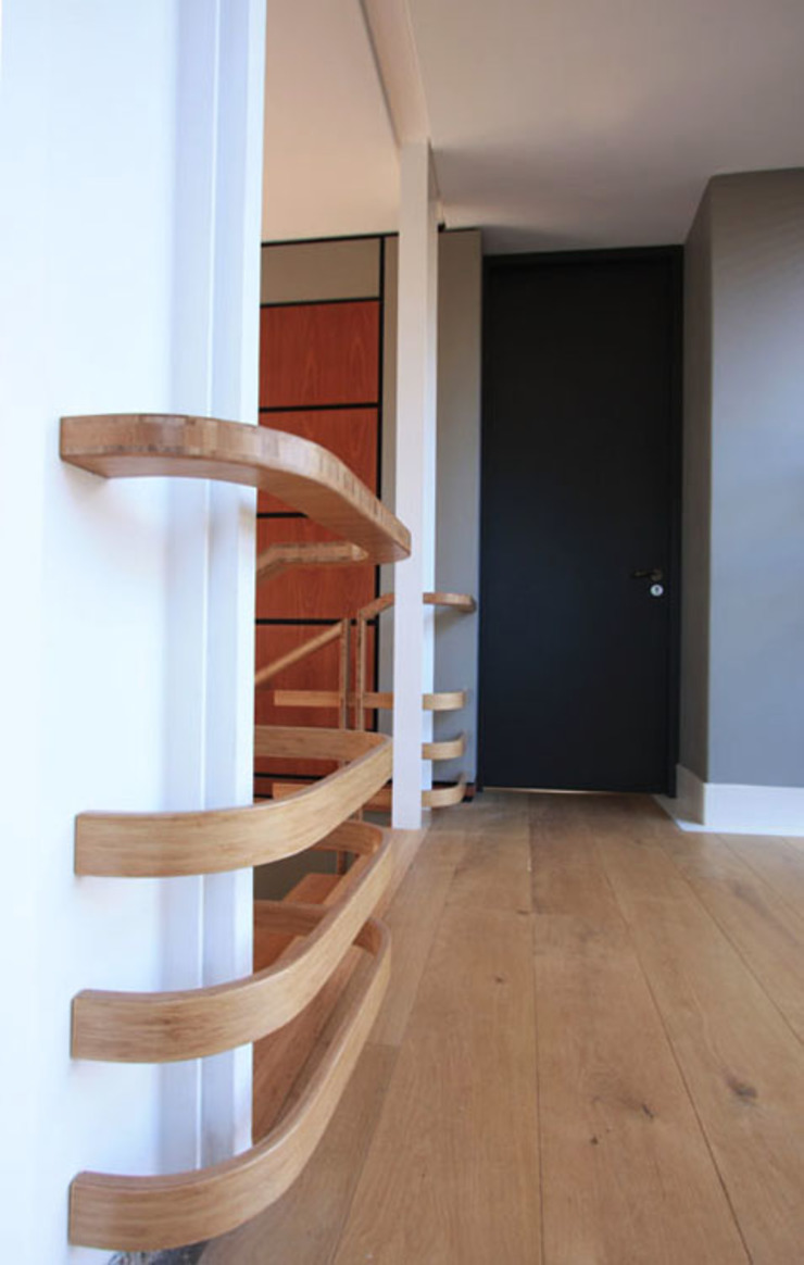 Bamboo Staircase: modern  by Inline Spaces Pty Ltd, Modern