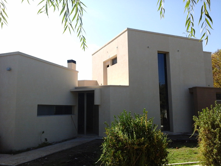 Nhà phong cách tối giản bởi Marcelo Manzán Arquitecto Tối giản